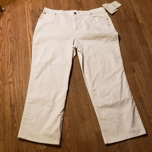 Bend over white jeans. Size 20p